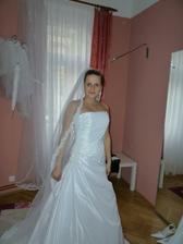 ...budu 1. nevěsta, která je bude mít na sobě...