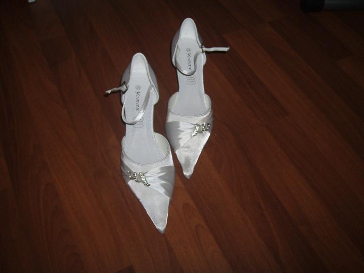 """Naše inšpirácie na deň """"D"""" - moje topánočky :)"""