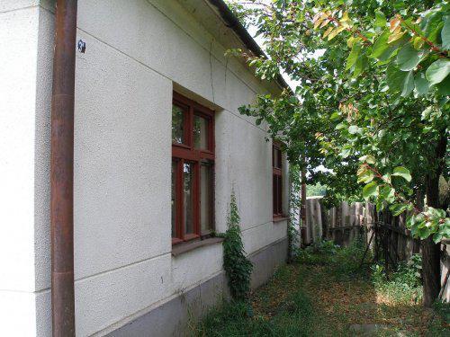 Náš vysnený domček na samote - Pohľad z predu...z dvora