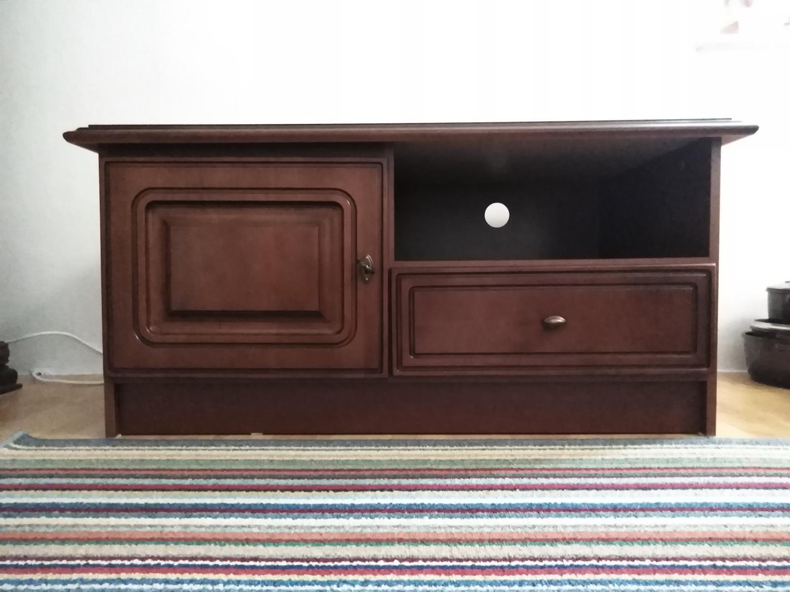 TV stolík v rustikálnom štýle - Obrázok č. 1