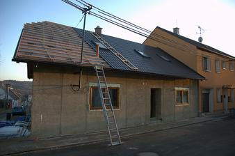 Střecha pokračuje