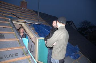 Takový malý rodinný sněm na střeše:)