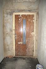 Poslední pohled na staré dveře