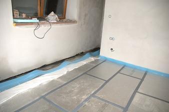 Tepelná izolace PIR desky tl. 80 mm pod budoucí podlahové topení