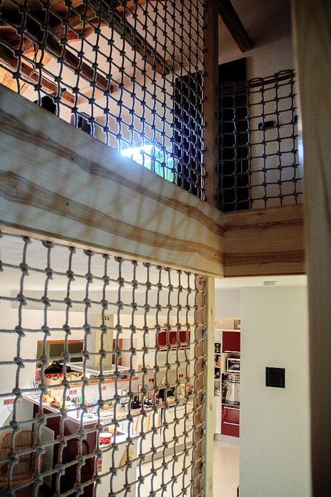Schodišťové zábradlí, aneb jde to i jinak :) - S průhledem do podkroví a do kuchyně