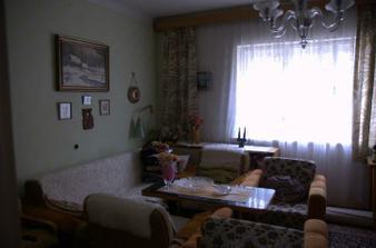 Takhle vypadal obývák, naše budoucí ložnice :)