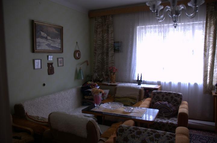 Od začátku do ... - Takhle vypadal obývák, naše budoucí ložnice :)