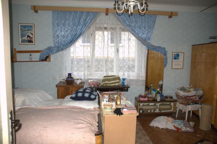 Od začátku do ... - Bývalá ložnice a toho harampádí...