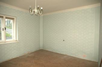 Bývalá ložnice, už bez harampádí...