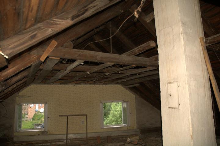 Od začátku do ... - Jediný pokojík na půdě už je zbouraný...