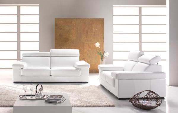 Inšpirácie z Talianska - s bielou podlahou pôsobí izba tak čisto a vzdušne...