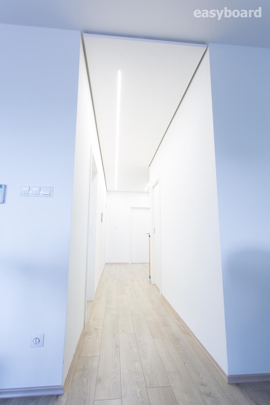 Sadrokartónove prefabrikáty  http://shop.easyboard.sk - Zafrézovane tenké lišty z našej ponuky široké len 7mm sú elegantný a veľmi variabilný doplnok do každého moderného interieru. http://easyboard.sk/shop/frezovanie-led-list/43312
