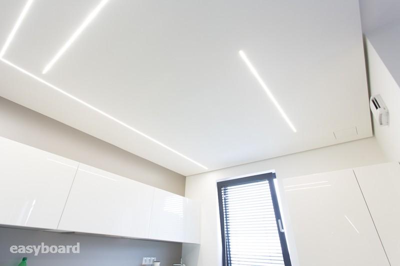 Zafrézované LED lišty do sadrokartónu - Zafrézovane tenké lišty z našej ponuky široké len 7mm sú elegantný a veľmi variabilný doplnok do každého moderného interieru. http://easyboard.sk/shop/frezovanie-led-list/43312