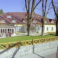 Tak v tomto hotelu na Slovensku se asi bude odehrávat naše svatební cesta :-)