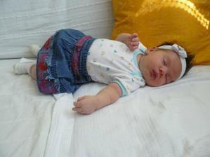 a toto je naša princeznička Sofinka ktorá sa narodila 26.6.2009
