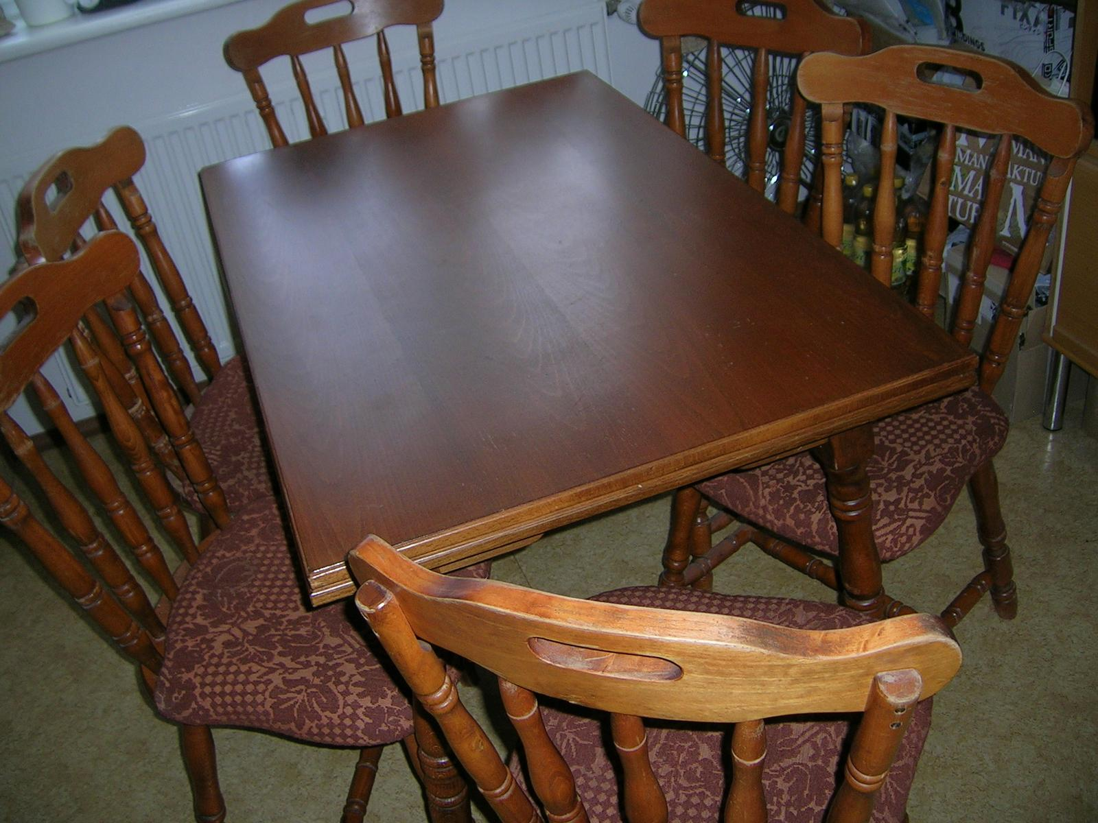 Rozkladací stôl + stoličky masív - Obrázok č. 1