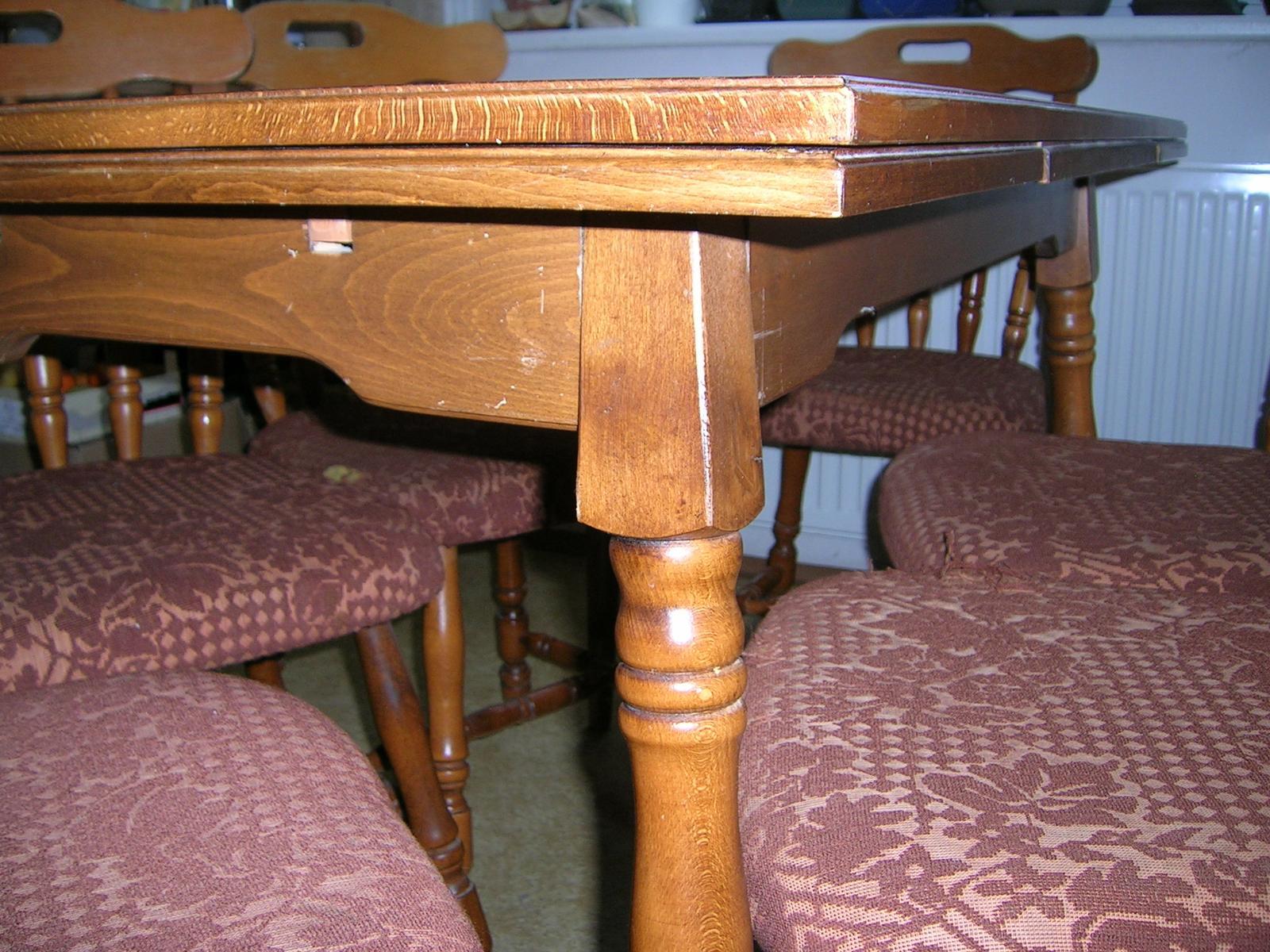 Rozkladací stôl + stoličky masív - Obrázok č. 2