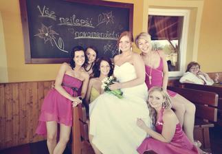 Naše krásné růžové družičky:)