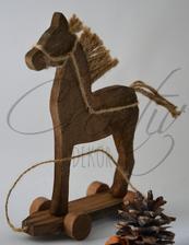 http://www.creativdekor.sk/vianocne-ozdoby-a-dekoracie/konik-na-kolieskach/   5,20 €