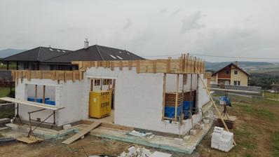 pripravene :) mozme liat beton