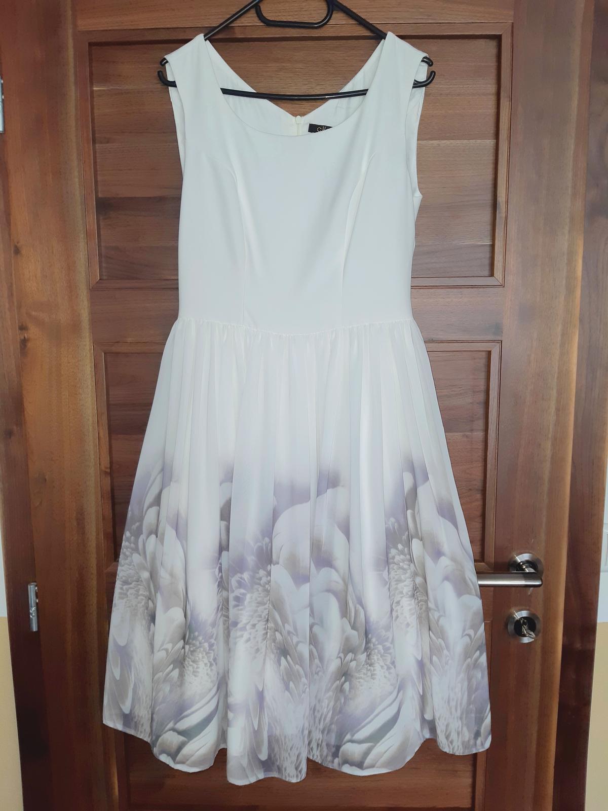 Biele šaty s fialkovými kvetmi - Obrázok č. 4