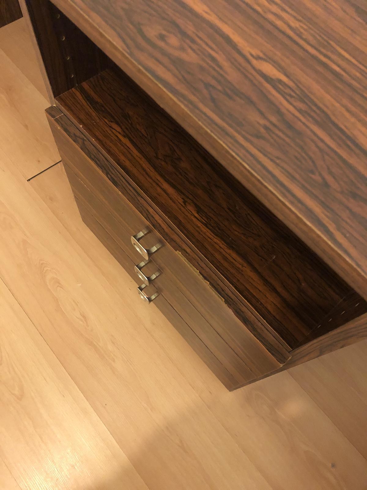 Tmavohnedý písací stôl - Obrázok č. 4