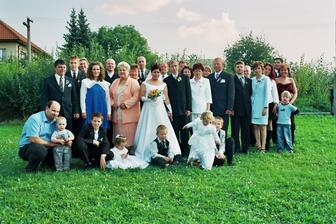 ták to jsou všichni naši svatební hosté!