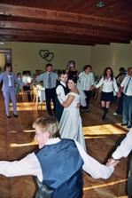 na hostině-první tanec nevěsty ženicha