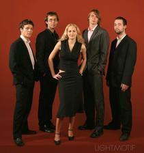 Lightmotif - kapela, co nám bude hrát na oslavě. Jsou skvělí (www.lightmotif.cz)