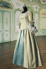 Výchozí vzor pro mé budoucí svatební šaty, které mi budou šít v atelieru M-mode.