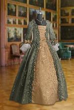 Moje šaty budou podobného střihu.