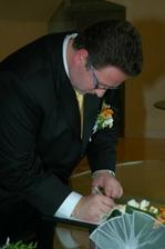 Manželův podpis