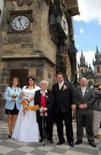 S manželovou maminkou a svědky