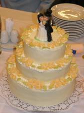 Náš svatební dortík - ořechový s marcipánem