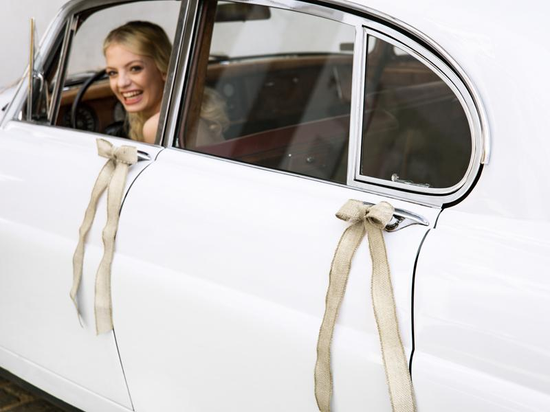 Svatební dekorace na auto - Obrázek č. 2