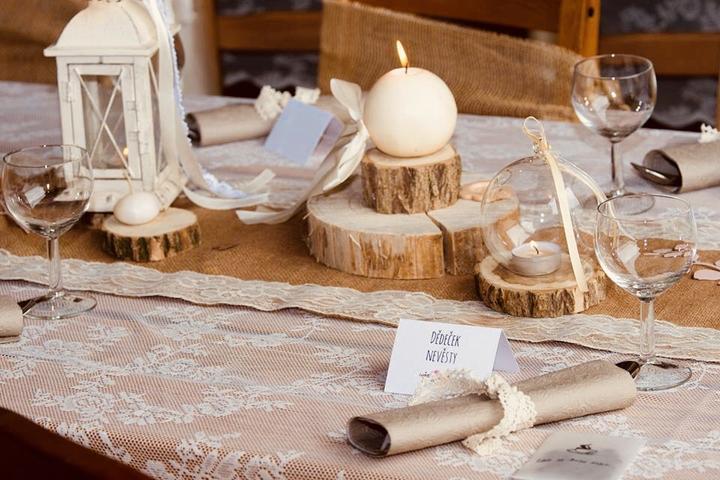 Dřevěná kulatina na výzdobu - Svatební doplňky s.r.o.