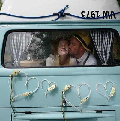 Svatební dekorace na auto - Obrázek č. 34