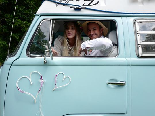 Svatební dekorace na auto - Obrázek č. 35