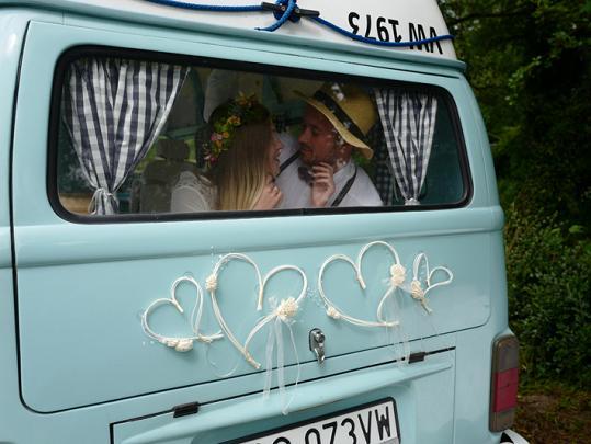Svatební dekorace na auto - Obrázek č. 36