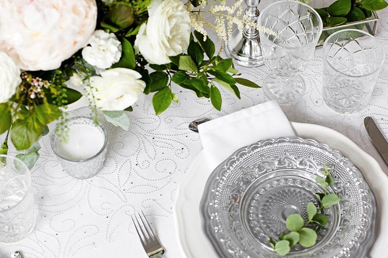 Organza s potiskem bílá s perličkami - Svatební doplňky s.r.o.