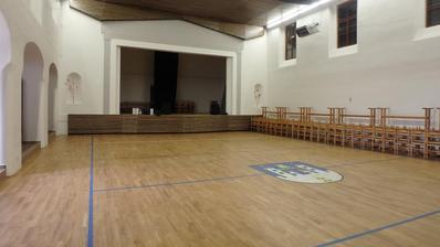 před - sál