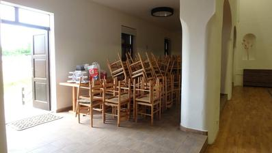 asi 250 židlí .... vše jsme museli odnést
