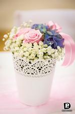 květinová výzdoba hostiny