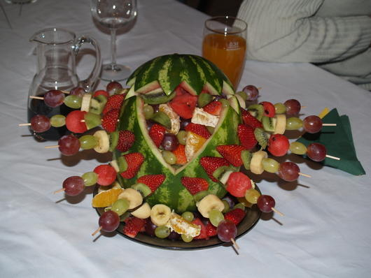 Aďka a Peťko :-) 2. august 2008 :-) - Taketo nieco by som chcela k cokofontanke