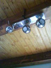 tak táto lampa ma dosť zaujala.......:)