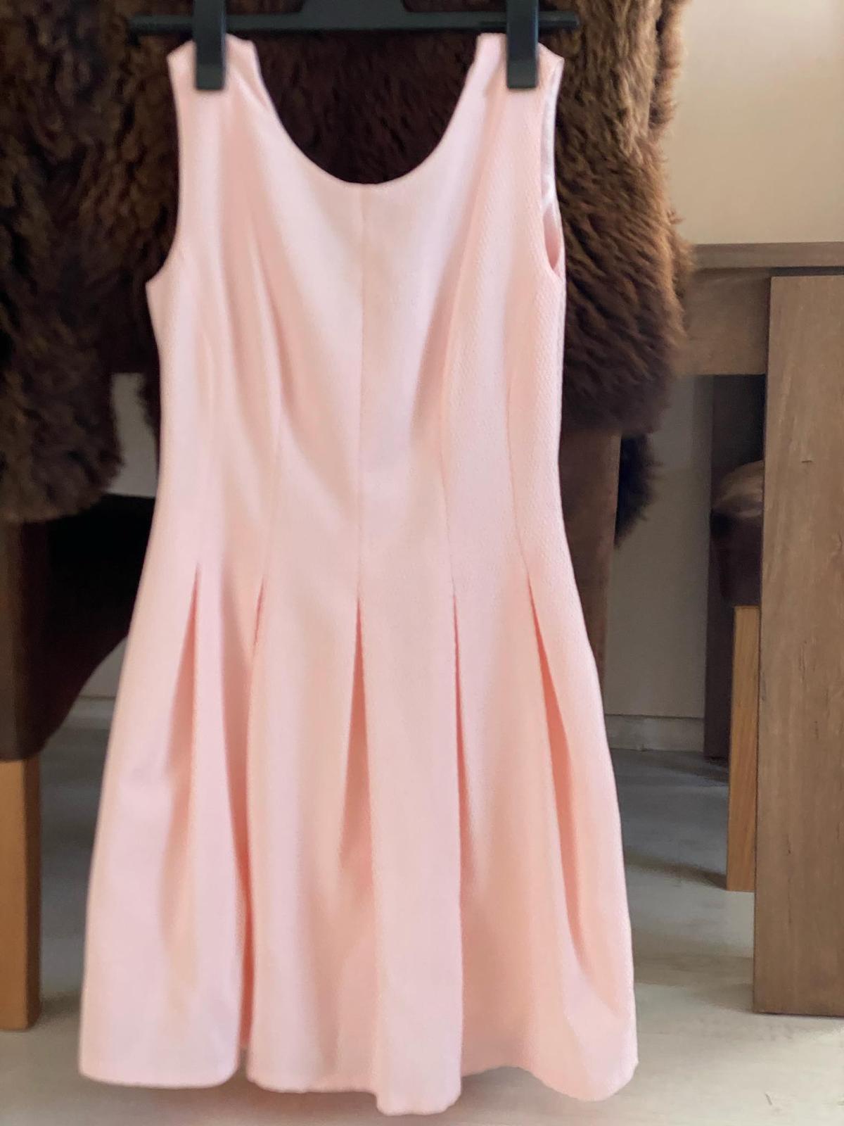 Lososové šaty vel.38 - Obrázek č. 1