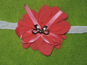 dekorace od olunky tato kytička bude na košíčku pro drůžičku