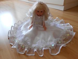 panenka na auto nevěsty:-) dnes přišla a je moc krásná