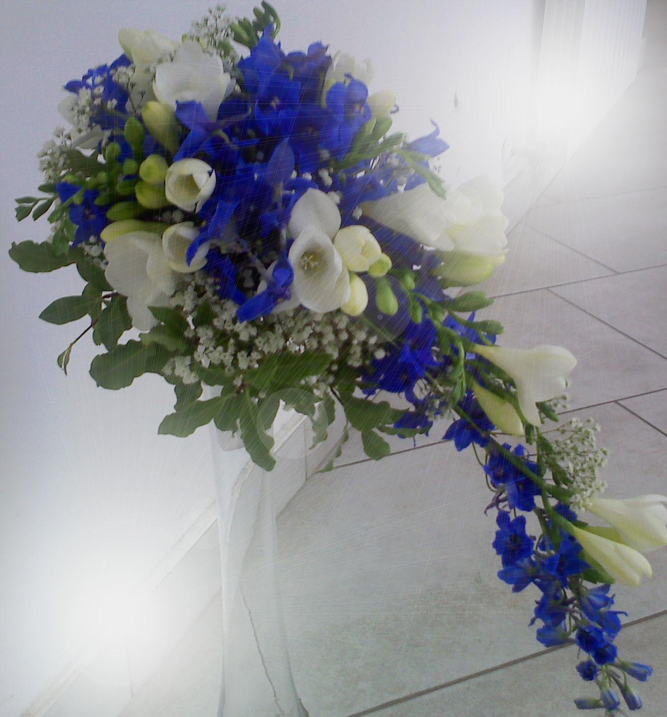 Svatební kytice - Delphinium a frézie