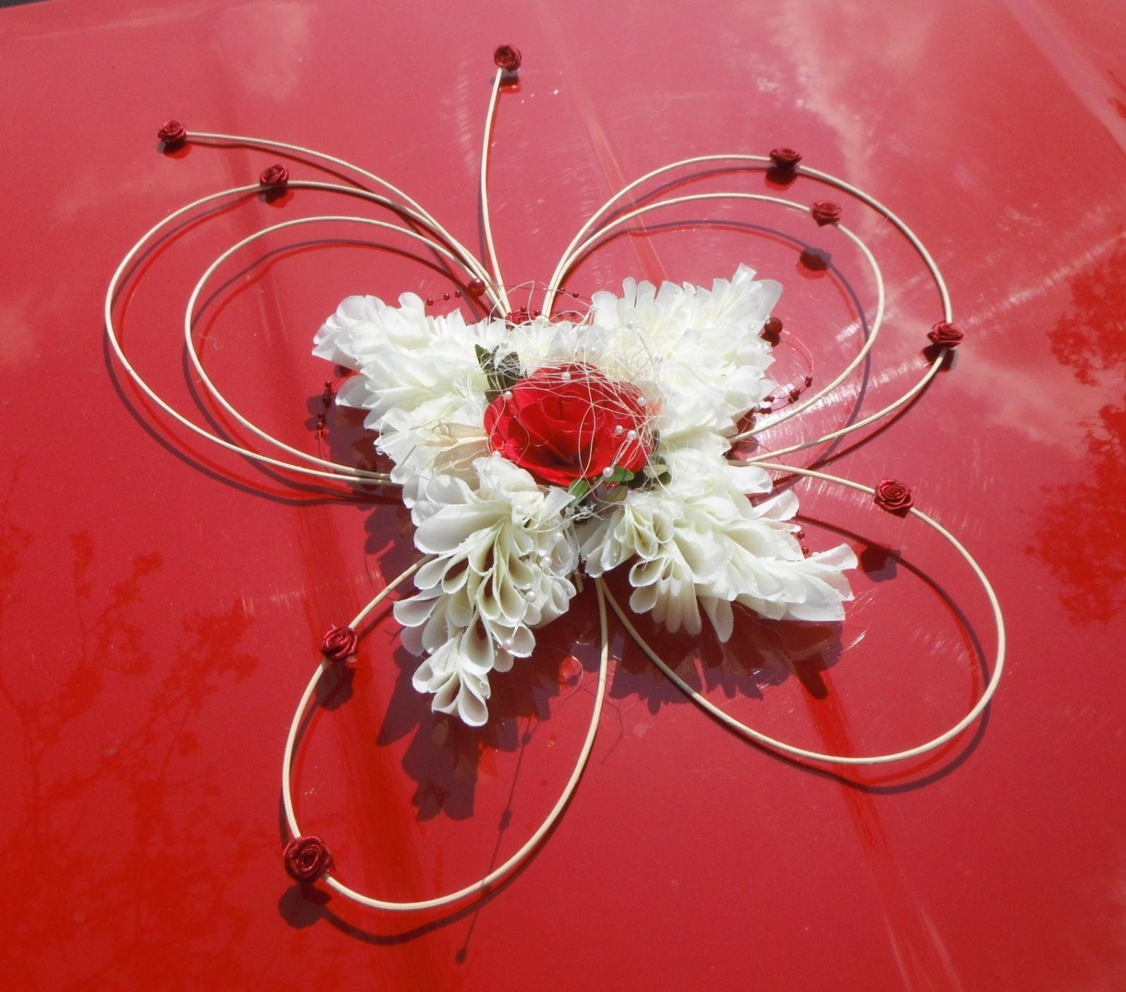 Dekorace na auto- motýlí autokorsáž - Obrázek č. 6